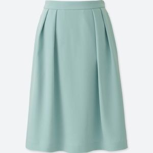 UNIQLO high waist mint crepe tucked office skirt